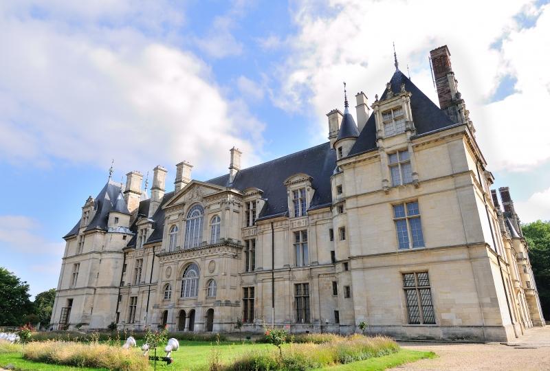 Photo prise en extérieur de la façade du musée national de la Renaissance château d'Ecouen en île de France