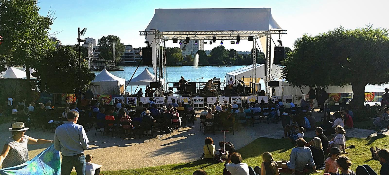 Photo concert en plein air au Barrière Enghien Jazz Festival à Enghien les Bains