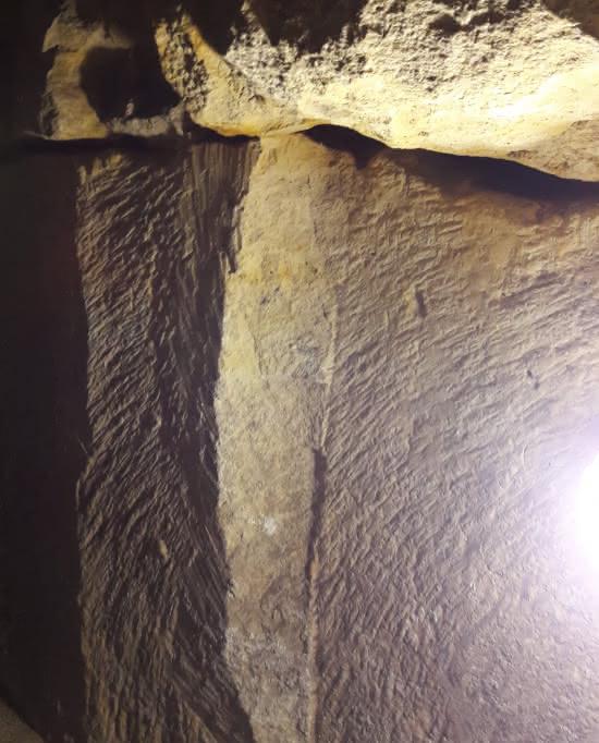 Photo de mur des souterrains de Pontoise