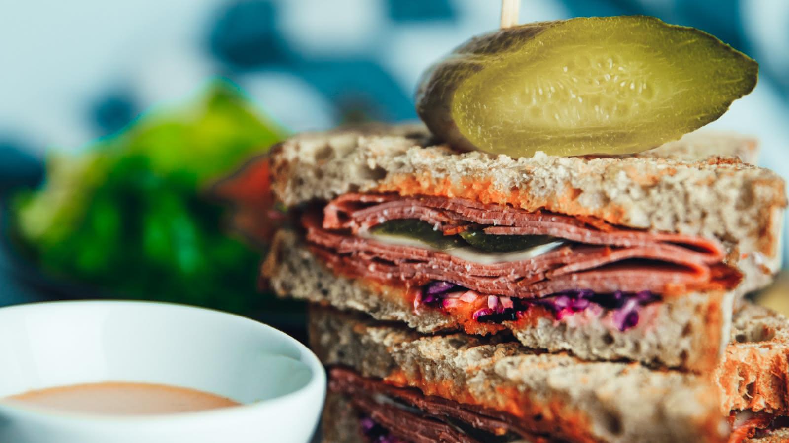 Photo d'un sandwich au salami