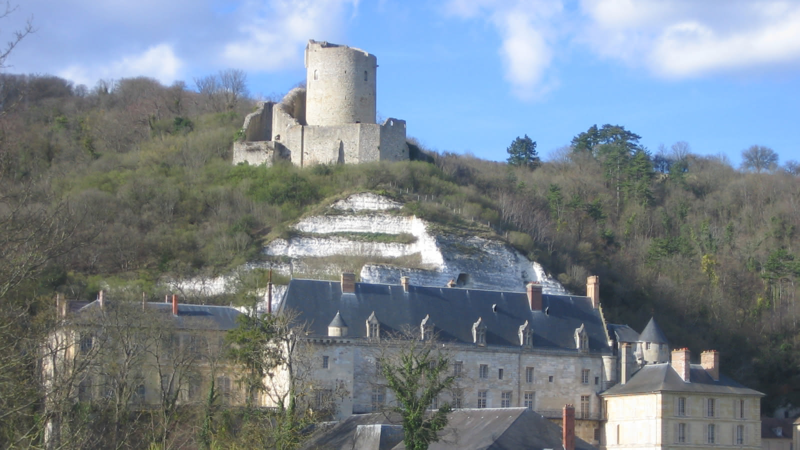 Photo de la vue sur le donjon du Château de La Roche-Guyon