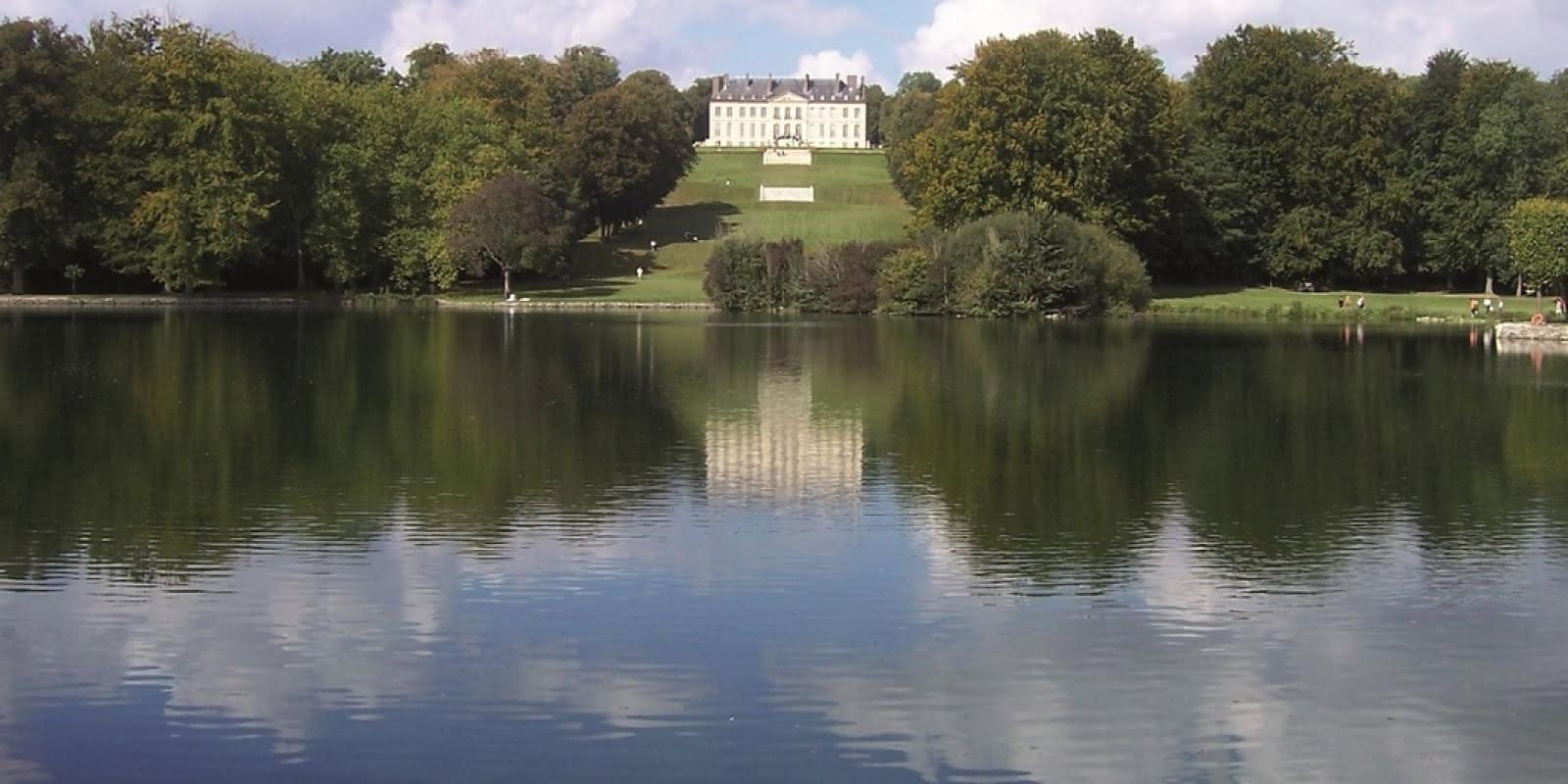 Photo Vue sur le vertugadin et le château du Haut depuis l'étang