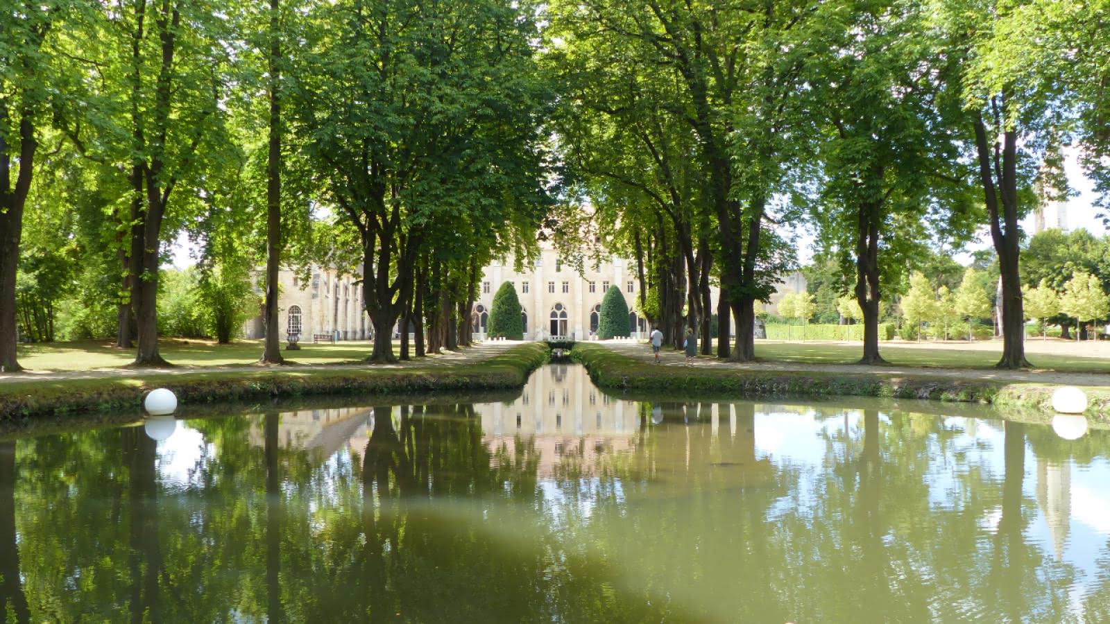 Photo de l'entrée de l'abbaye de Royaumont à Asnière-sur-Oise