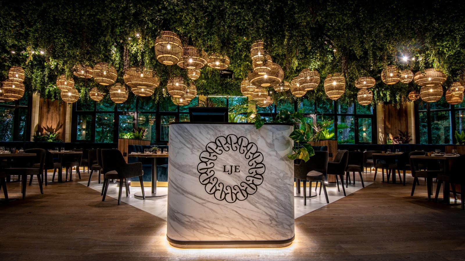 Photo de la salle de restaurant du Jardin d'Epicure, hôtel-restaurant à Bray-et-Lû dans le Vexin Français