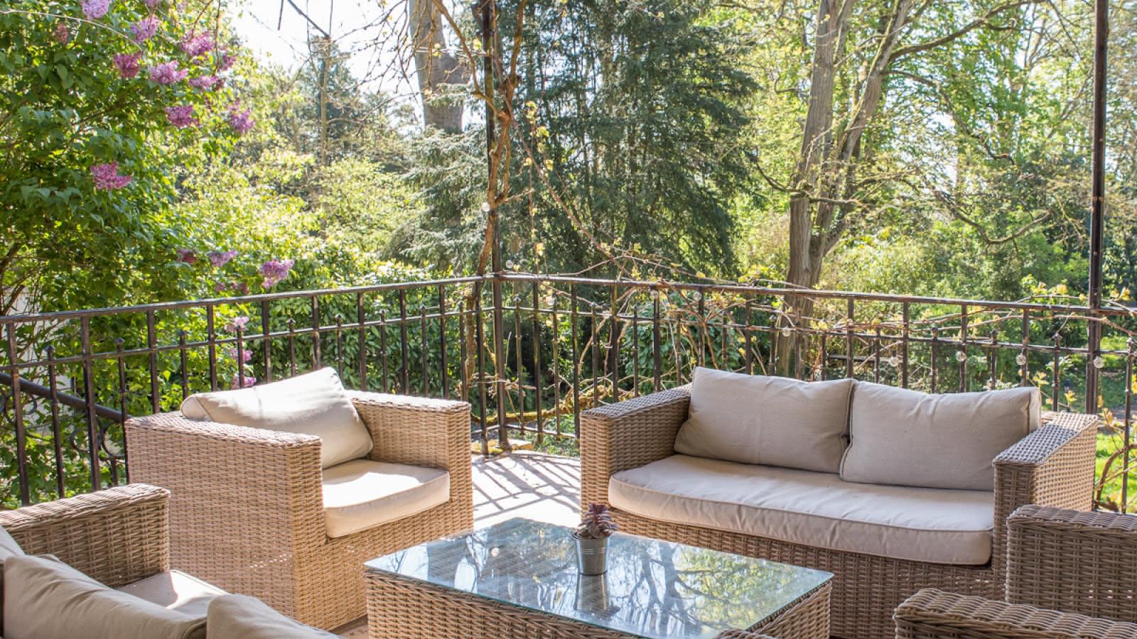 Photo de la terrasse de la chambre d'hôtes Les Jardins Fleuris à Cormeilles-en-Vexin