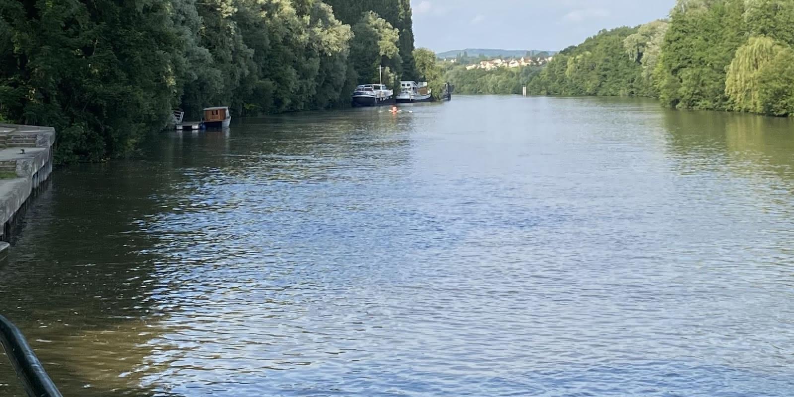 Bords de l'Oise, vue sous le pont d'Auvers
