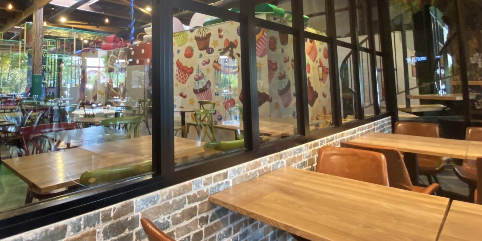 Photo vue des jeux depuis le restaurant de Mydreamland à Osny