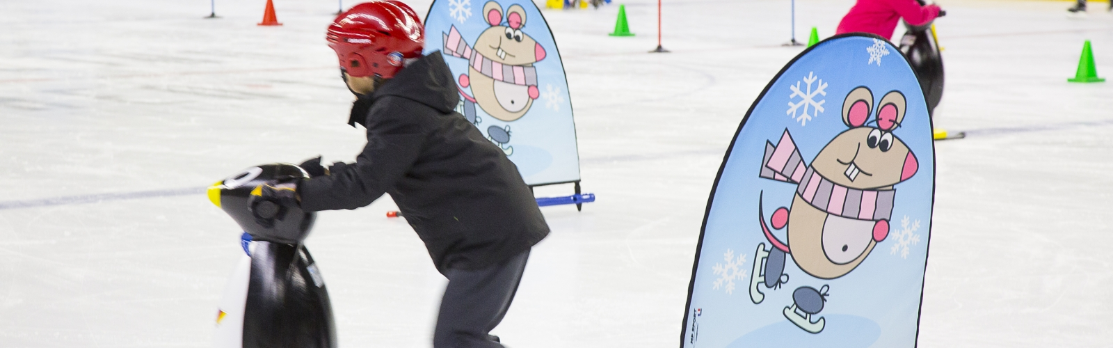 Enfants à la patinoire de l'Aren'Ice Cergy