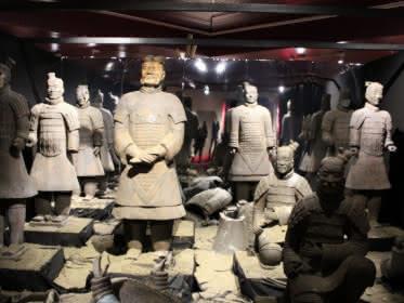 Photo d'une reproduction de l'armée en terre cuite de Xi'An en Chine