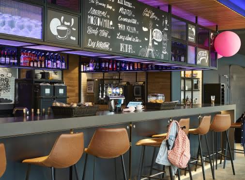 Hotel Moxy : Bar daytime
