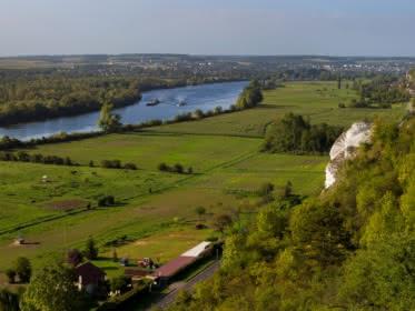 Photo vue du ciel de la Vallée de la Seine. Vue sur le parc naturel régional du Vexin français et la Seine.
