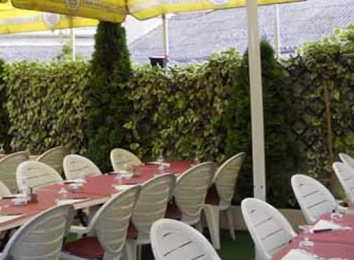 terrasse du restaurant aux beaux jours