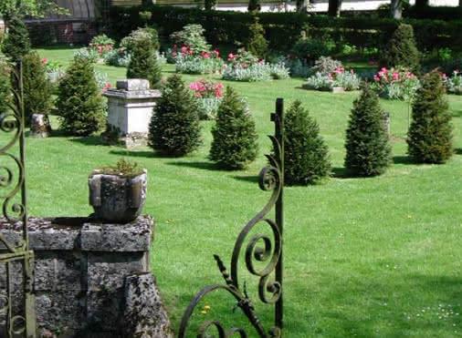 Ambleville gardens castle