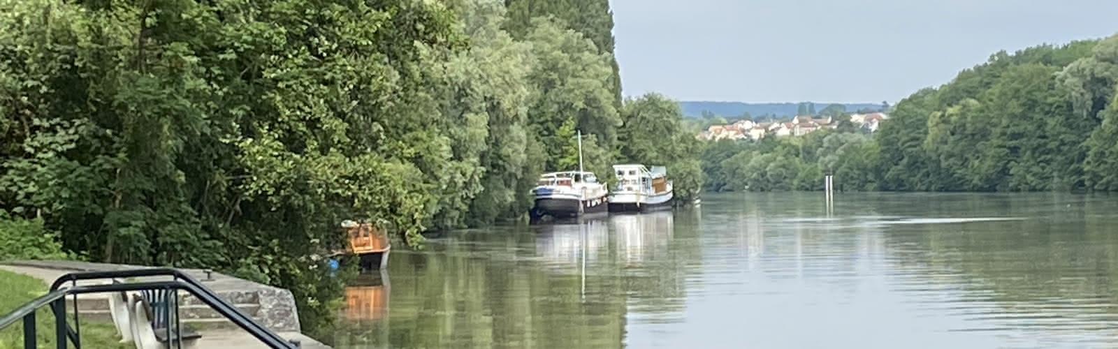Bords de l'Oise vue sous le pont à Auvers
