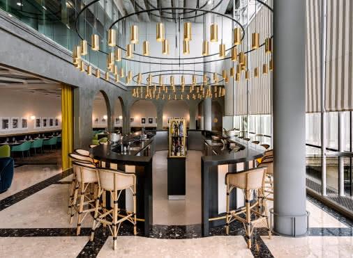 Bar du restaurant I Love Paris by Guy Martin